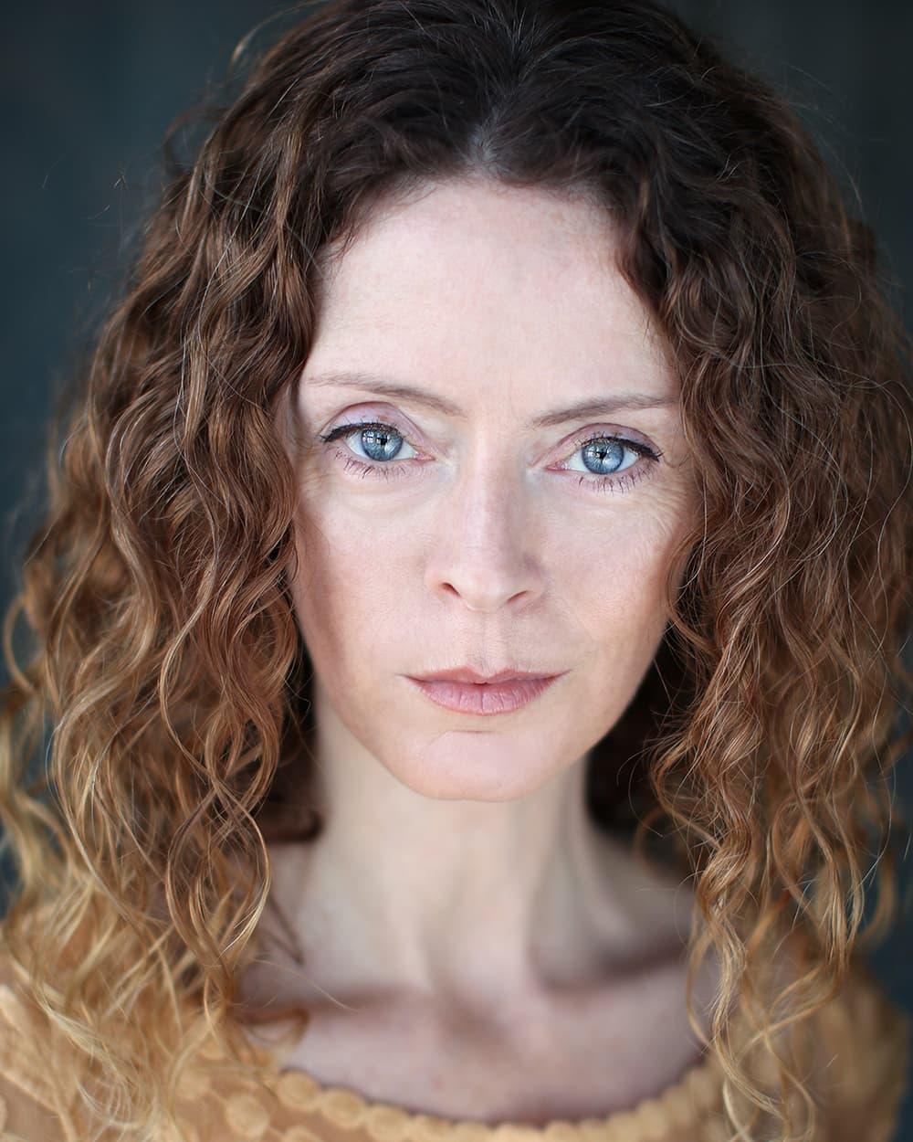 Nikki Leigh Scott